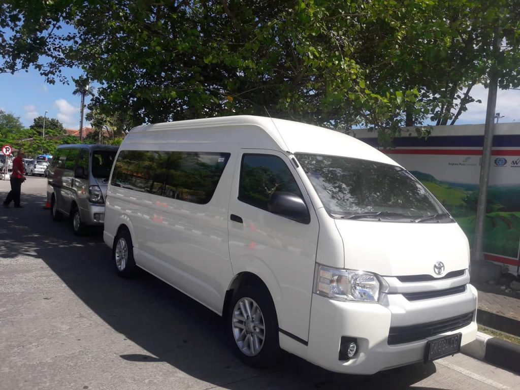 The Advantages of Toyota Hiace Cars for Tourism in Bali