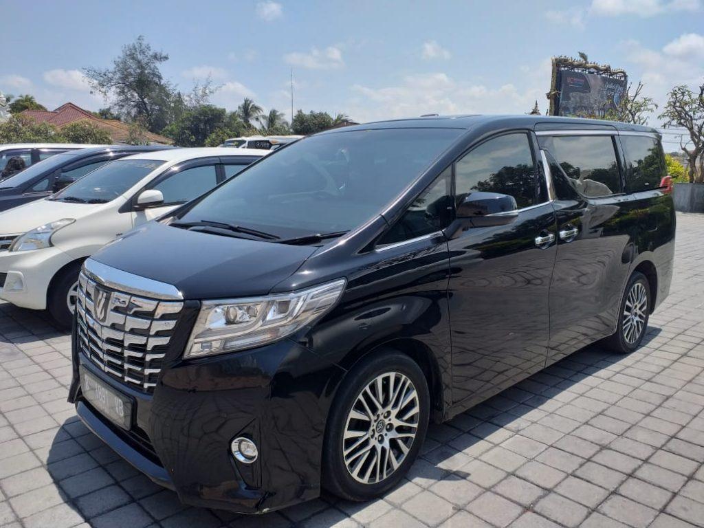 Alphard Car Rental in Bali