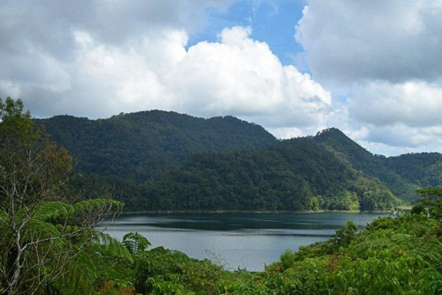 twin lake tamblingan